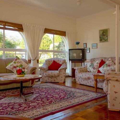 Dunant Park Lodge communal lounge